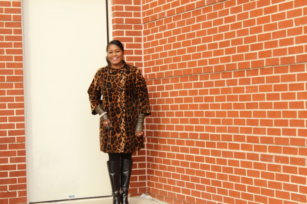 Wearing Talbot's coat (old),  Vince Camuto leather arm warme.