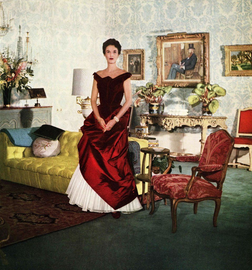 1950 photo of Mrs. William S. (Babe) Paley at her home, Kiluna Farm in North Hills, Long Island, New York. Detail of photo by John Rawlings.