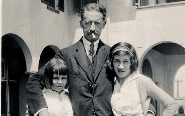 Diana Vreeland age 13 (right), with her father, Frederick Dalziel, and sister, Alexandra. Photo credit: Kate Finnigan via Amanda MacKenzie.